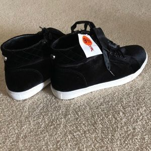Black velvet Steve Madden high top sneakers